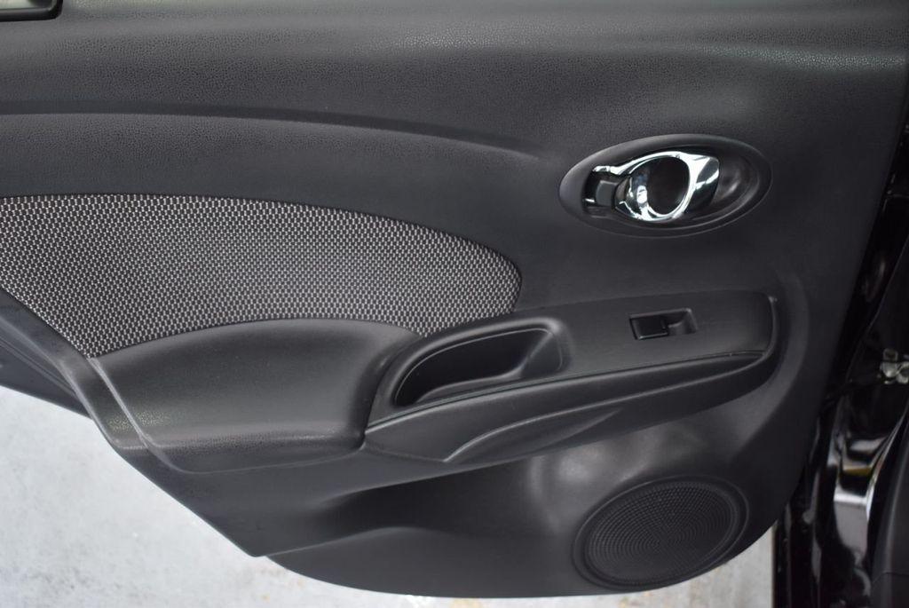 2016 Nissan Versa 4dr Sedan CVT 1.6 SV - 18359551 - 13