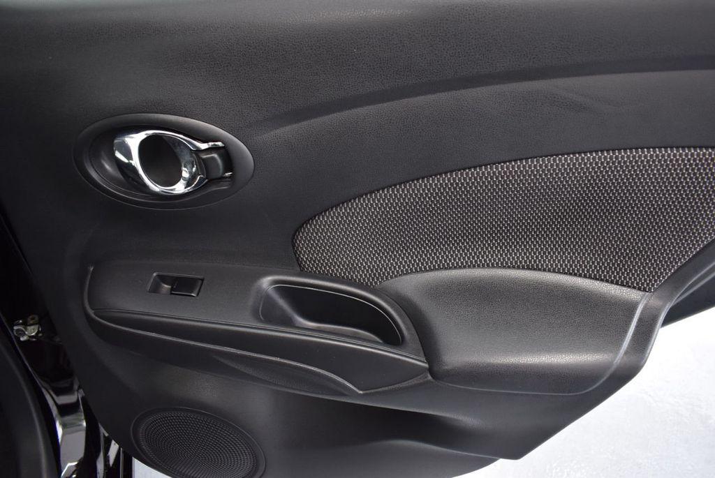 2016 Nissan Versa 4dr Sedan CVT 1.6 SV - 18359551 - 23
