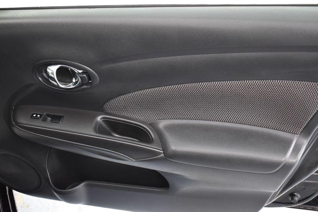 2016 Nissan Versa 4dr Sedan CVT 1.6 SV - 18359551 - 24
