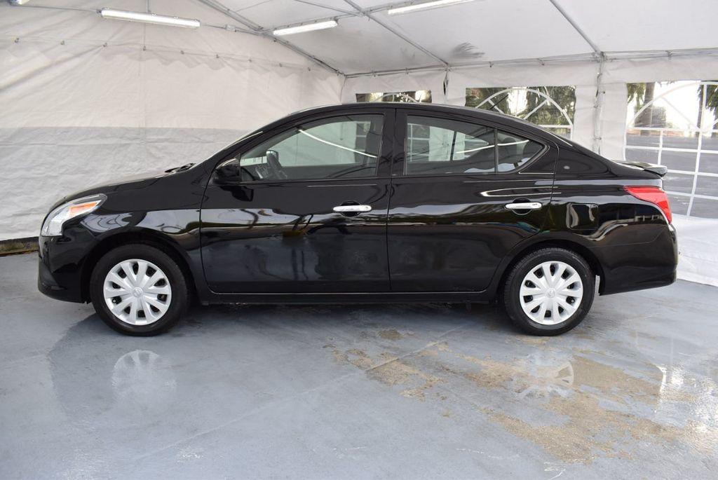 2016 Nissan Versa 4dr Sedan CVT 1.6 SV - 18359551 - 4
