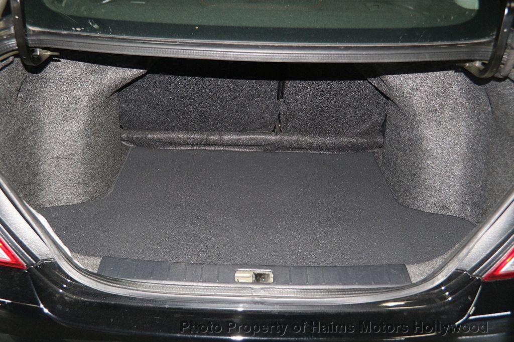 2016 Nissan Versa 4dr Sedan CVT 1.6 SV - 17275027 - 10