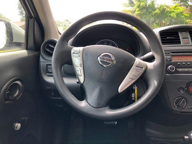 2016 Nissan Versa 4dr Sedan CVT 1.6 SV - Click to see full-size photo viewer