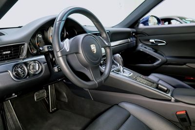2016 Porsche 911 CARRERA S * ONLY 8K Miles...Active CPO - Click to see full-size photo viewer