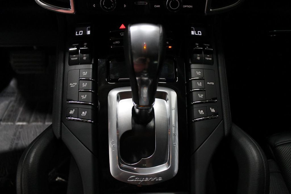 2016 Porsche Cayenne CAYENNE NAV BACKUP CAMERA PANOROOF AC SEATS LOADED!!!!!!!!!!!!!! - 17920160 - 40