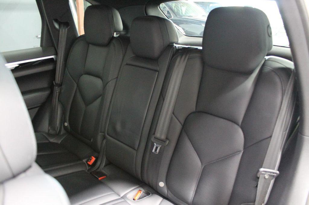 2016 Porsche Cayenne CAYENNE NAV BACKUP CAMERA PANOROOF AC SEATS LOADED!!!!!!!!!!!!!! - 17920160 - 47