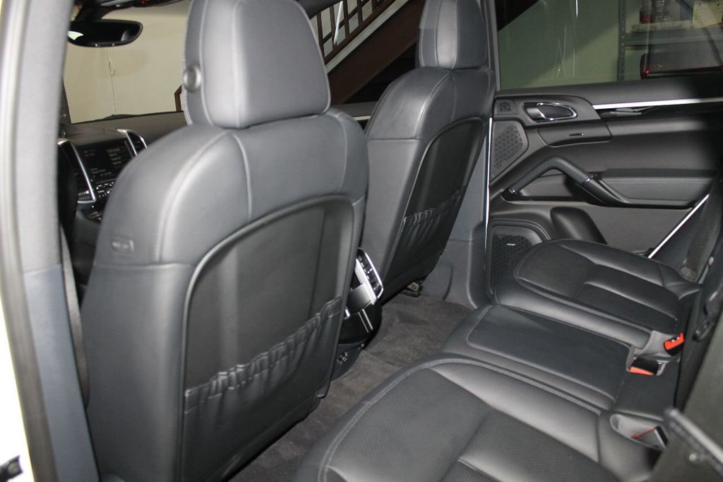 2016 Porsche Cayenne CAYENNE NAV BACKUP CAMERA PANOROOF AC SEATS LOADED!!!!!!!!!!!!!! - 17920160 - 49
