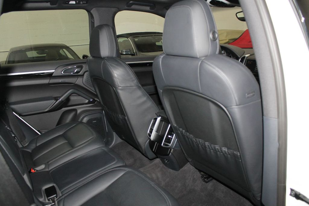 2016 Porsche Cayenne CAYENNE NAV BACKUP CAMERA PANOROOF AC SEATS LOADED!!!!!!!!!!!!!! - 17920160 - 56