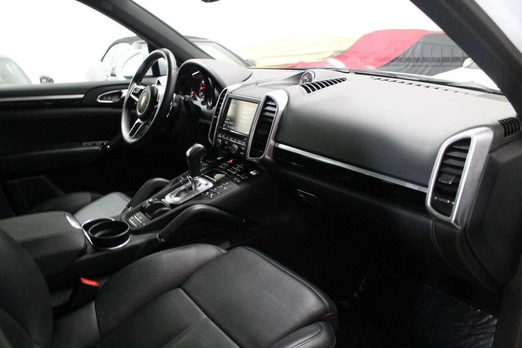 2016 Porsche Cayenne CAYENNE NAV BACKUP CAMERA PANOROOF AC SEATS LOADED!!!!!!!!!!!!!! - 17920160 - 60
