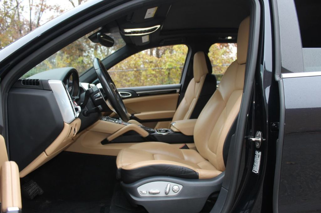 2016 Porsche Cayenne PREMIUM PKG,INFOTAINMENT PKG,NAV,SUNROOF,LANE ASSIST, - 18296228 - 18