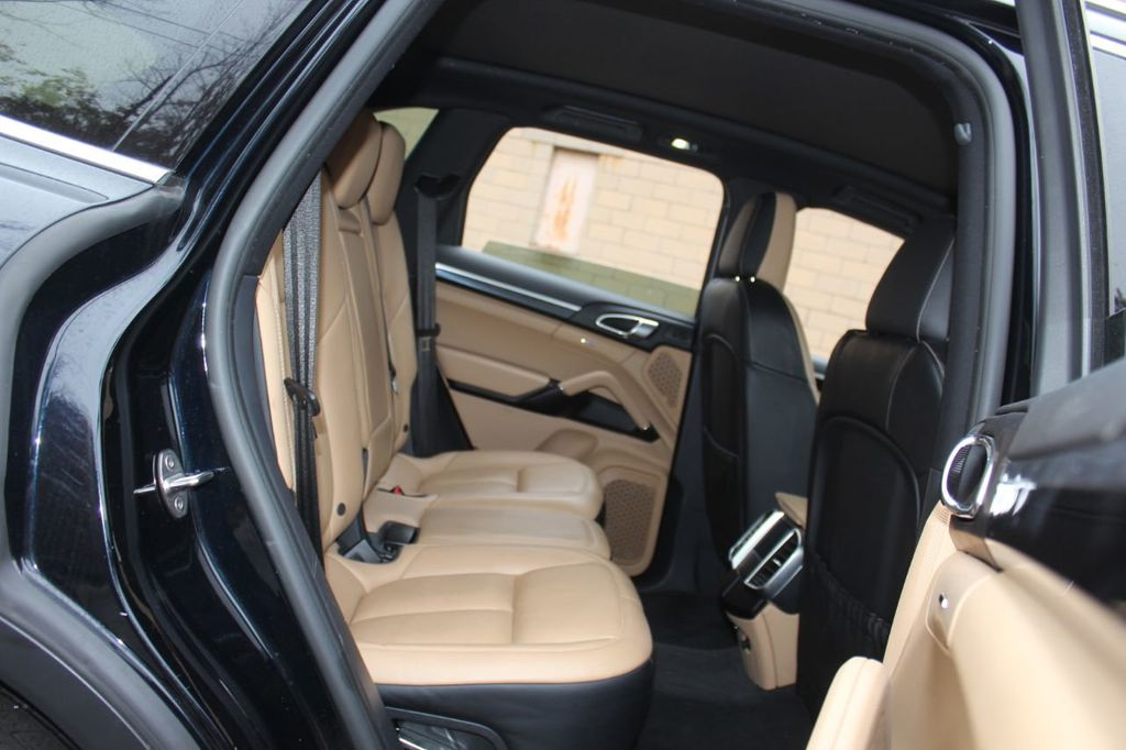 2016 Porsche Cayenne PREMIUM PKG,INFOTAINMENT PKG,NAV,SUNROOF,LANE ASSIST, - 18296228 - 25