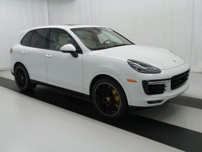 2016 Porsche Cayenne TURBO - Click to see full-size photo viewer