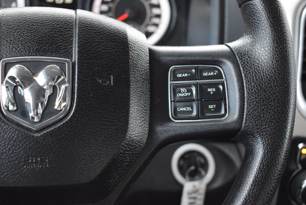 "2016 Ram 1500 2WD Quad Cab 140.5"" SLT - 18319316 - 17"