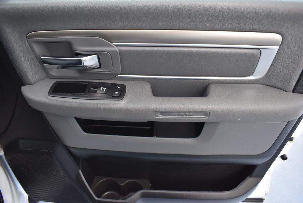 "2016 Ram 1500 2WD Quad Cab 140.5"" SLT - 18319316 - 22"