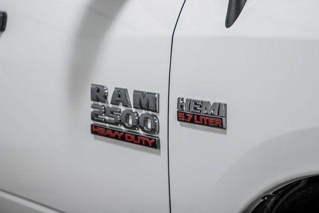 "2016 Ram 2500 4WD Crew Cab 169"" Tradesman - 17596316 - 9"