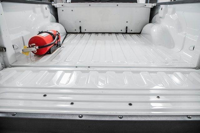 "2016 Ram 2500 4WD Crew Cab 169"" Tradesman - 17596316 - 13"