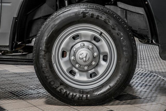 "2016 Ram 2500 4WD Crew Cab 169"" Tradesman - 17596316 - 14"