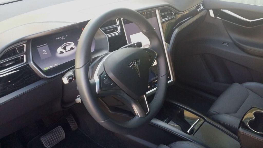 2016 Tesla Model X Model X 75D - 17103281 - 15