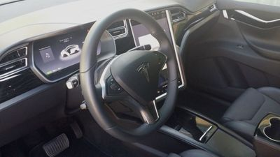 2016 Tesla Model X Model X 75D - Click to see full-size photo viewer