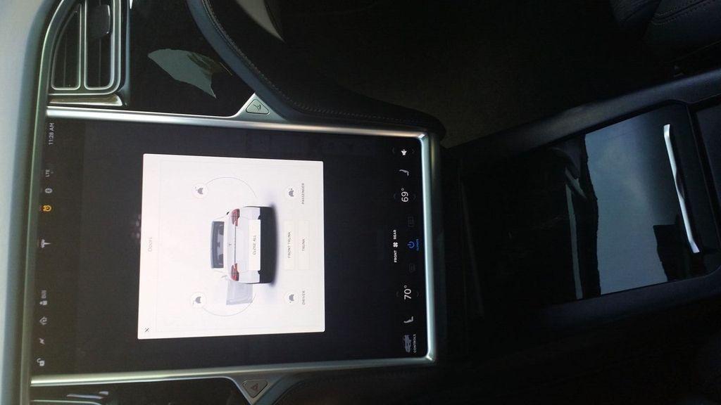 2016 Tesla Model X Model X 75D - 17103281 - 17