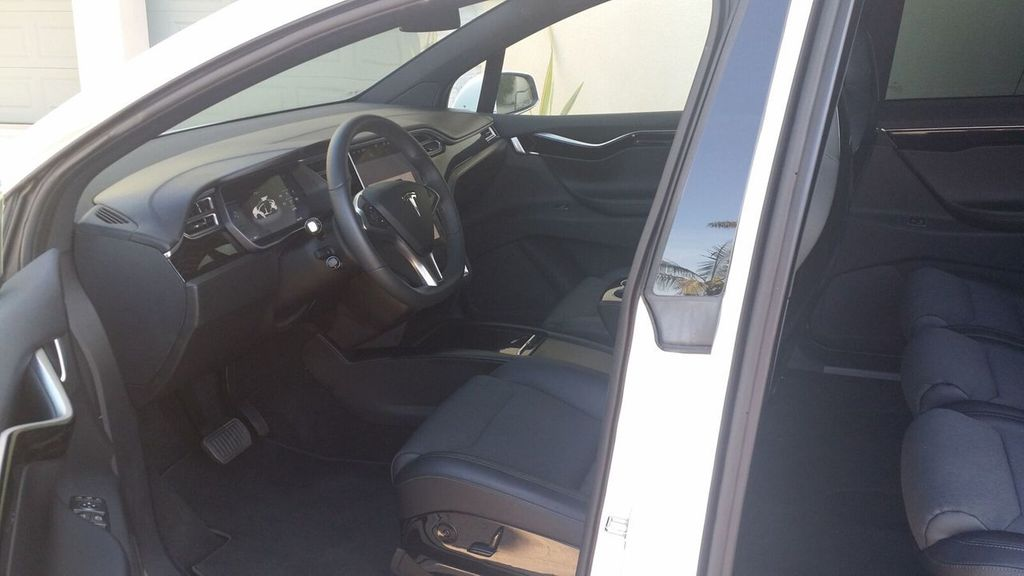 2016 Tesla Model X Model X 75D - 17103281 - 23