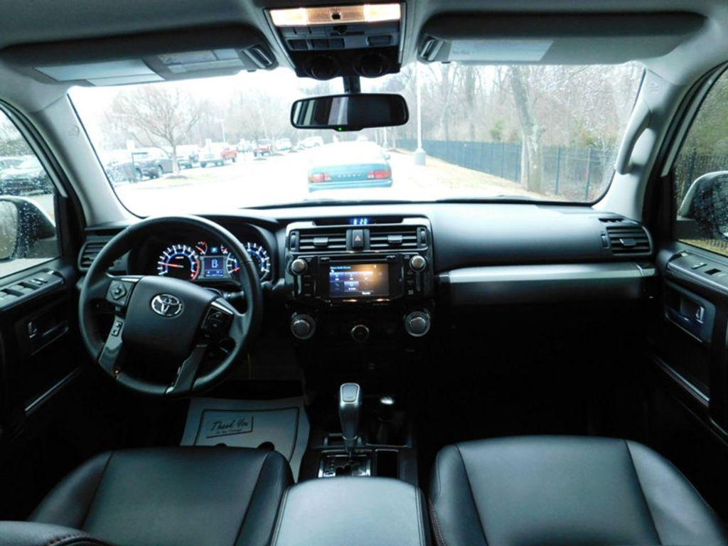 2016 Toyota 4Runner 4WD 4dr V6 TRD Pro - 17361216 - 11