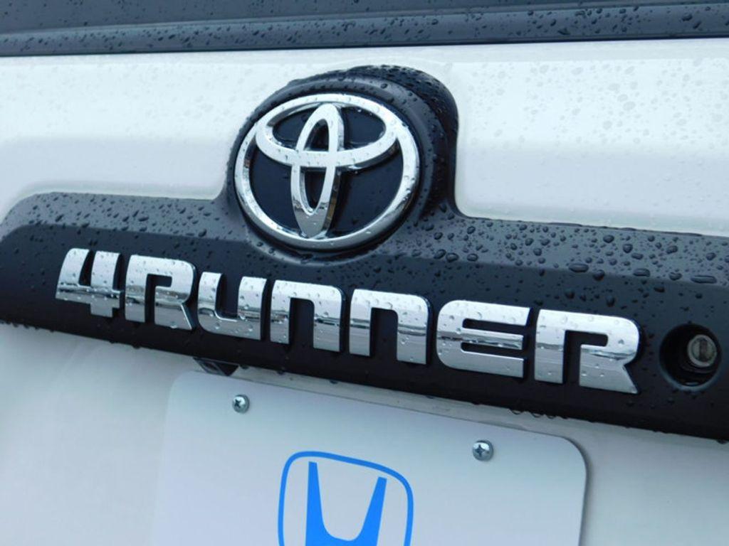 2016 Toyota 4Runner 4WD 4dr V6 TRD Pro - 17361216 - 3