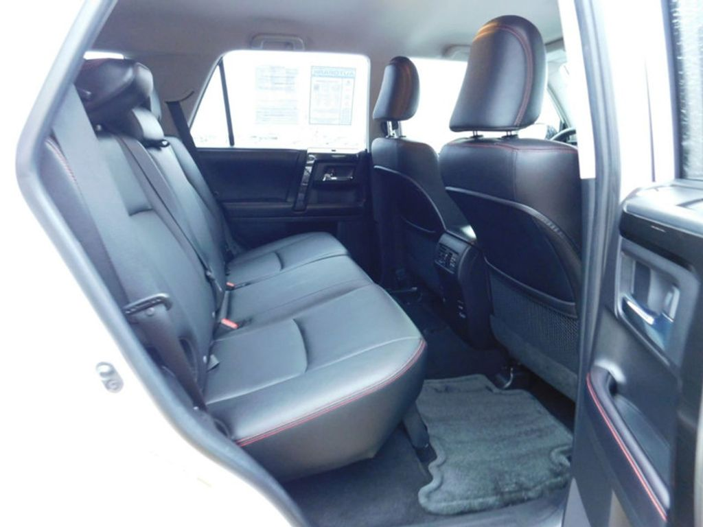 2016 Toyota 4Runner 4WD 4dr V6 TRD Pro - 17361216 - 8
