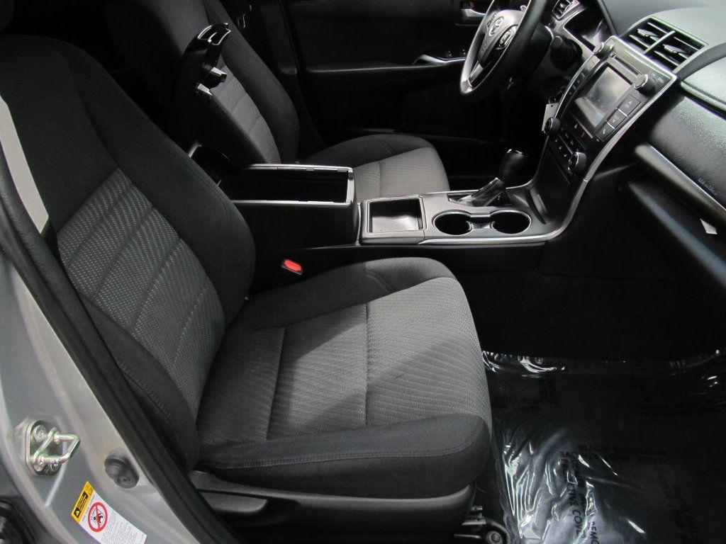 2016 Toyota Camry 4dr Sedan I4 Automatic LE - 18570203 - 15