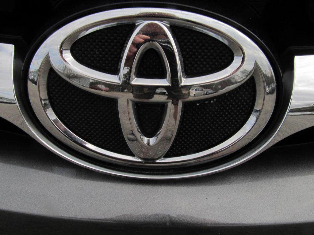 2016 Toyota Camry 4dr Sedan I4 Automatic LE - 18570203 - 25