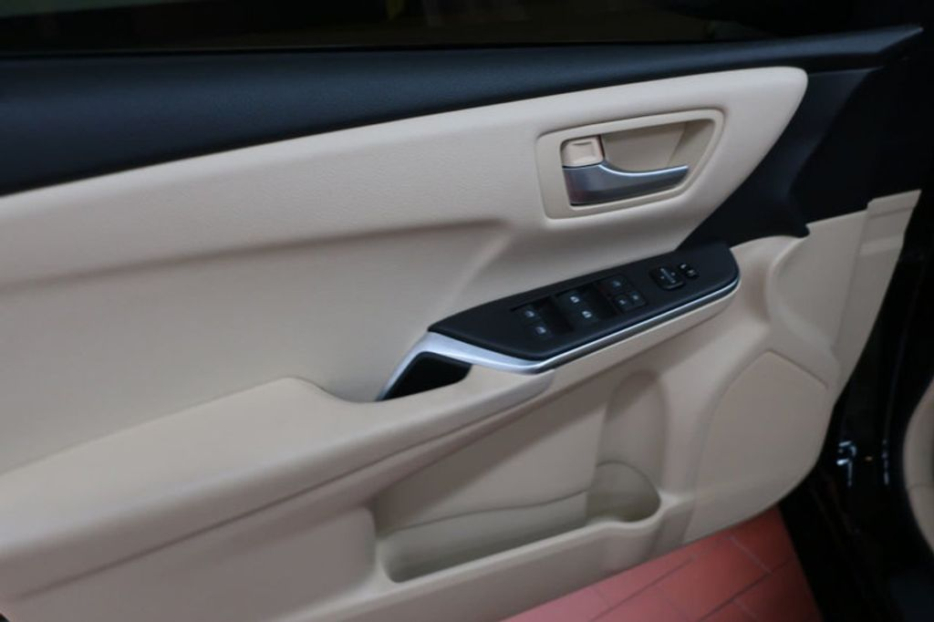 2016 Toyota Camry 4dr Sedan I4 Automatic XSE - 17051824 - 9