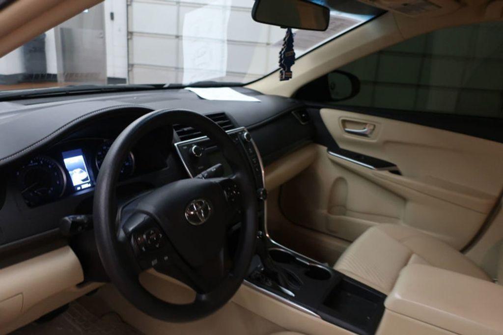2016 Toyota Camry 4dr Sedan I4 Automatic XSE - 17051824 - 24