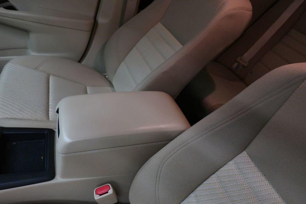 2016 Toyota Camry 4dr Sedan I4 Automatic XSE - 17051824 - 28