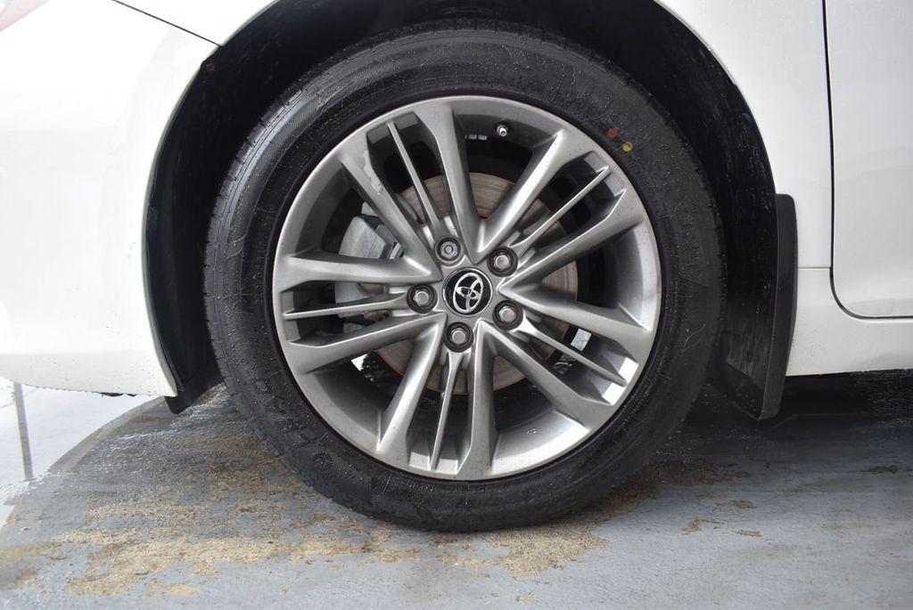 2016 Toyota Camry SE - 18359557 - 11