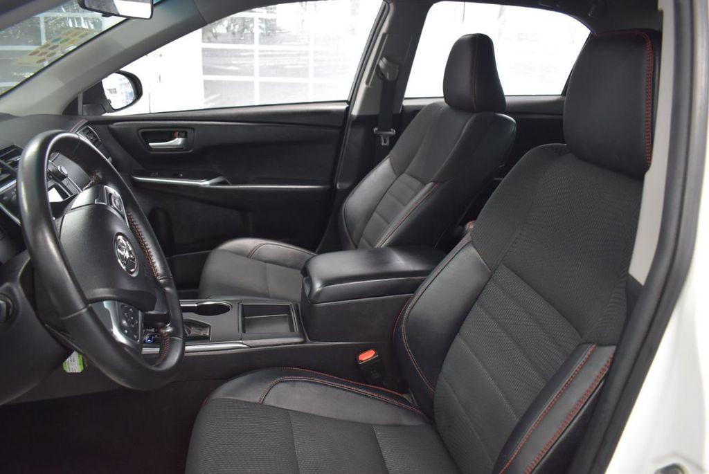 2016 Toyota Camry SE - 18359557 - 14