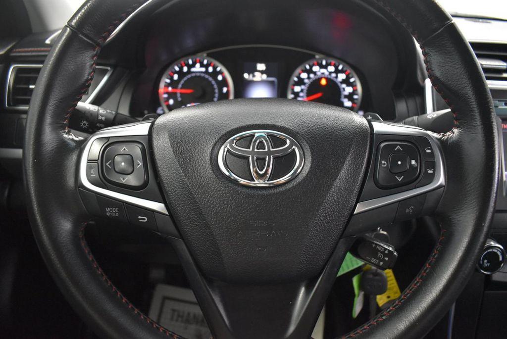 2016 Toyota Camry SE - 18359557 - 17