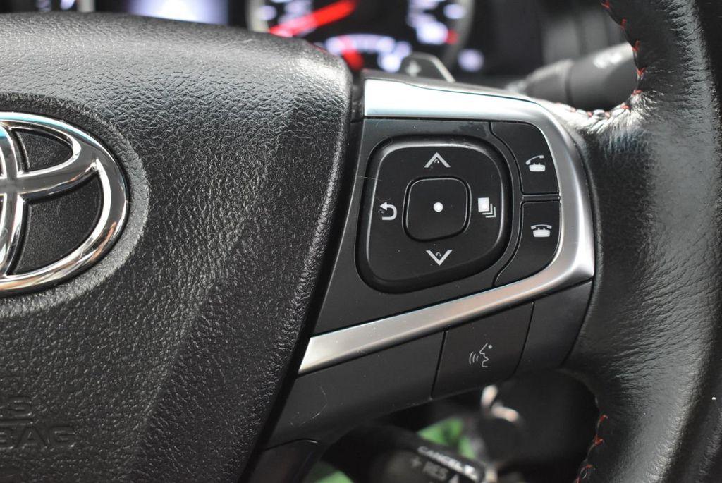 2016 Toyota Camry SE - 18359557 - 18