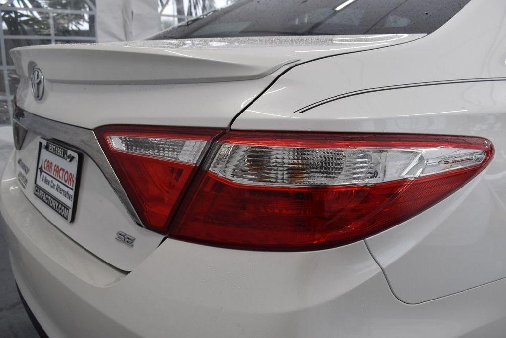 2016 Toyota Camry SE - 18359557 - 1