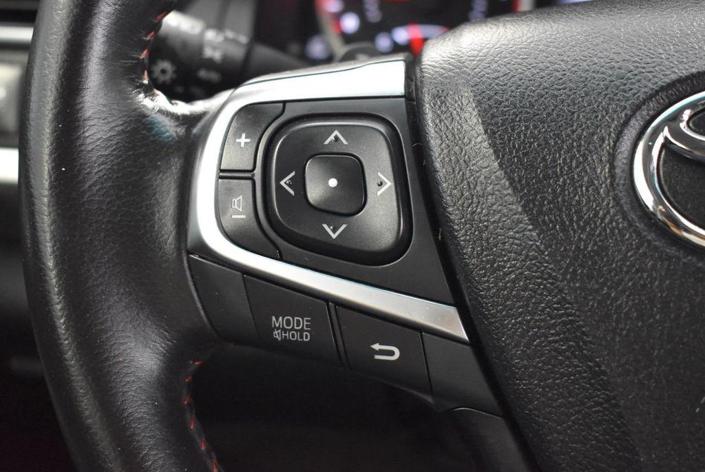 2016 Toyota Camry SE - 18359557 - 19