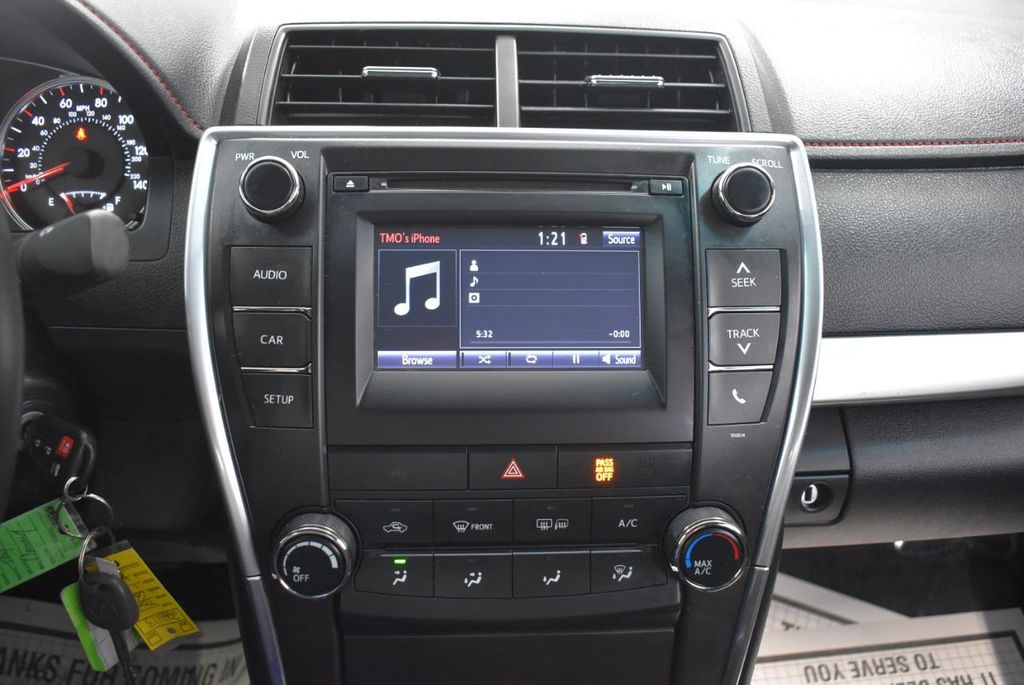 2016 Toyota Camry SE - 18359557 - 20