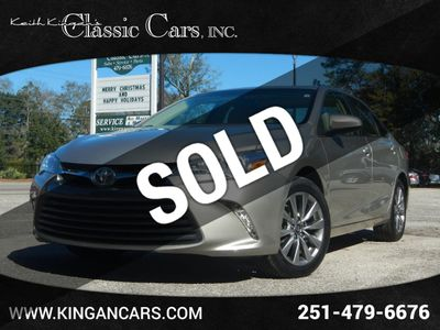 2016 Toyota Camry w/NAVIGATION & BLIND SPOT Sedan