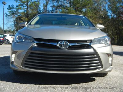 2016 Toyota Camry w/NAVIGATION & BLIND SPOT - Click to see full-size photo viewer