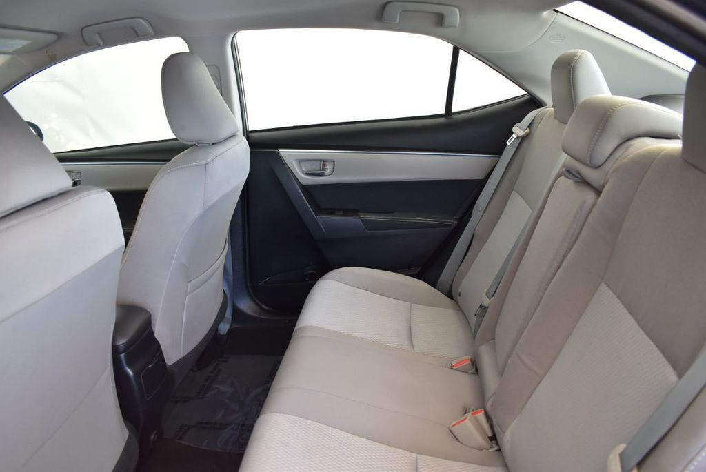 2016 Toyota Corolla 4dr Sedan CVT LE - 17974424 - 11