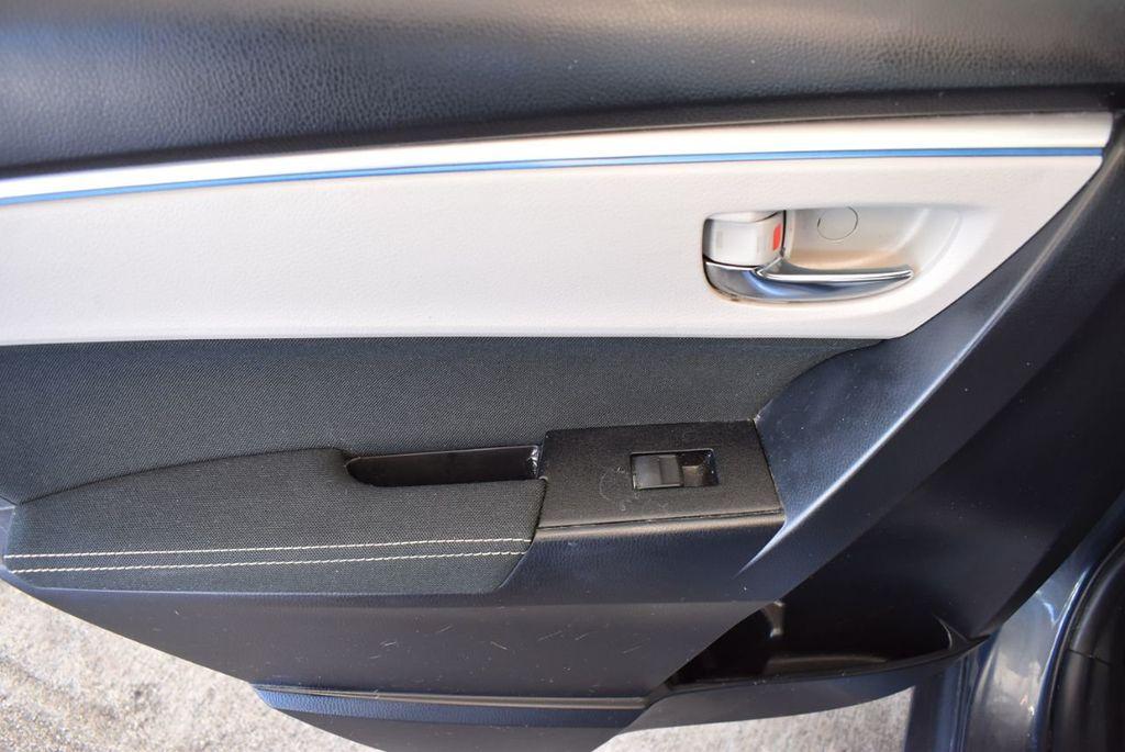 2016 Toyota Corolla 4dr Sedan CVT LE - 17974424 - 12