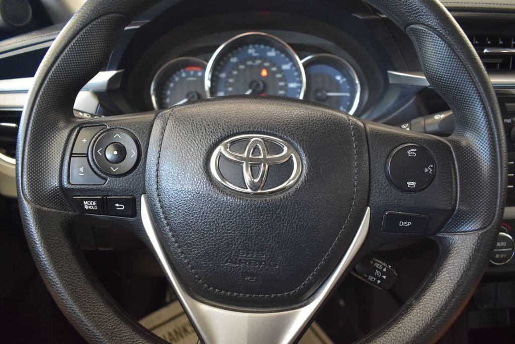 2016 Toyota Corolla 4dr Sedan CVT LE - 17974424 - 16