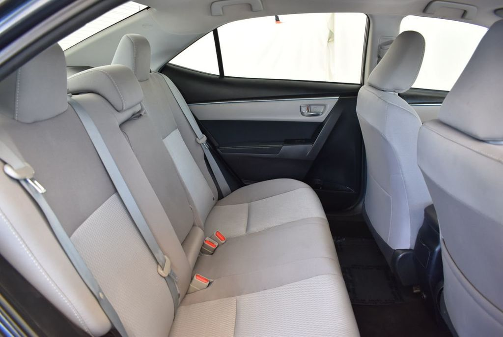 2016 Toyota Corolla 4dr Sedan CVT LE - 17974424 - 21