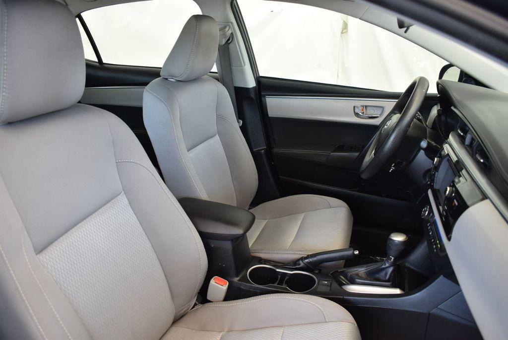 2016 Toyota Corolla 4dr Sedan CVT LE - 17974424 - 24