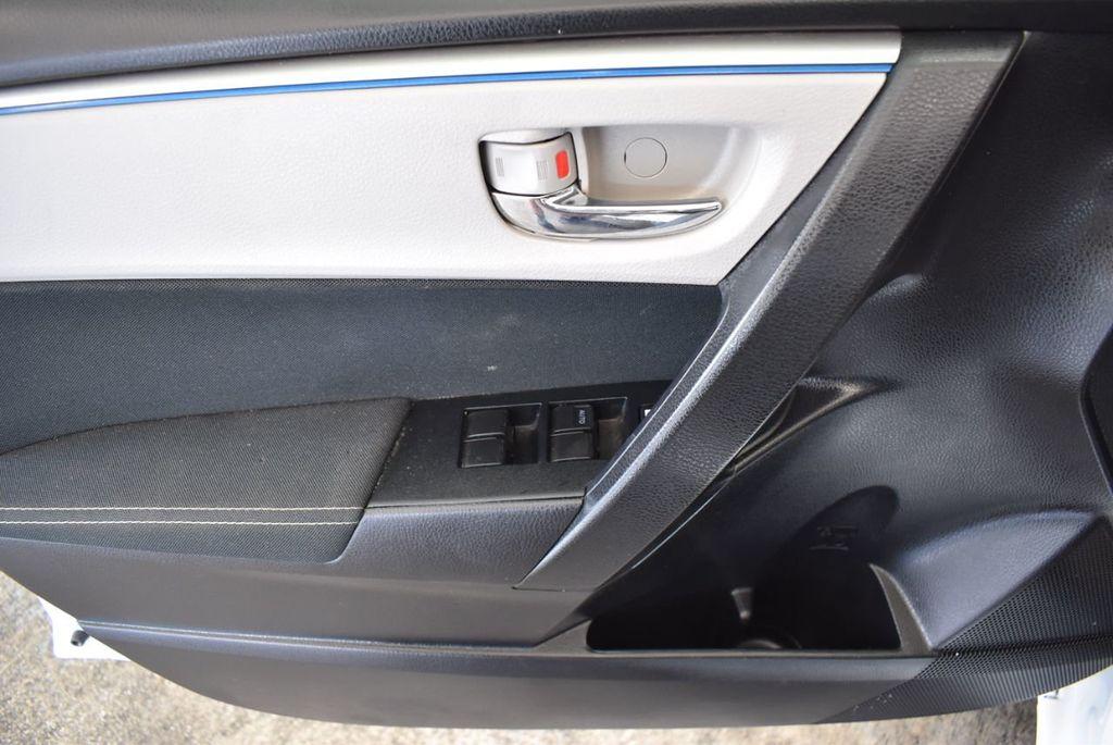2016 Toyota Corolla LE - 18157159 - 13