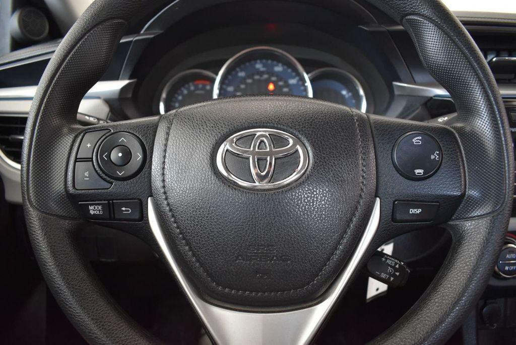 2016 Toyota Corolla LE - 18157159 - 17