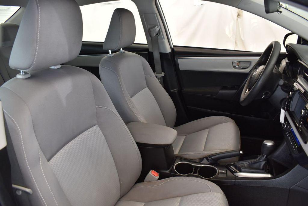 2016 Toyota Corolla LE - 18157159 - 24