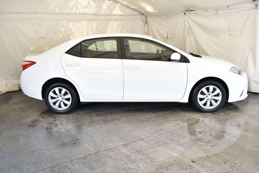 2016 Toyota Corolla LE - 18157159 - 2